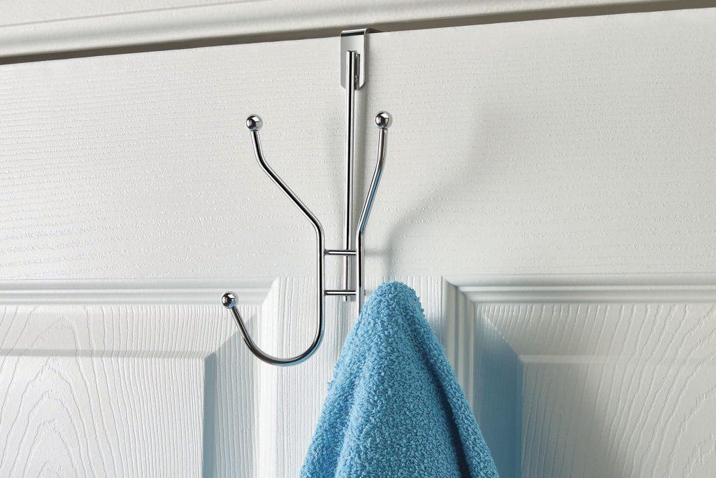 Puerta Perchero Betterware - Perchero fácil de colocar en las puertas de tus baños.