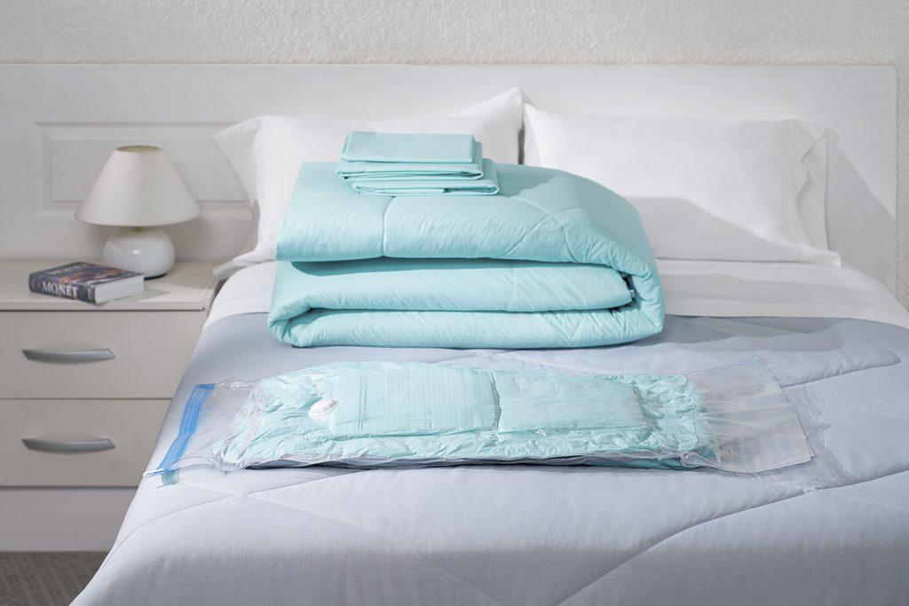 Bolsa ahorradora de espacio. Ideal para guardar ropa de cama.