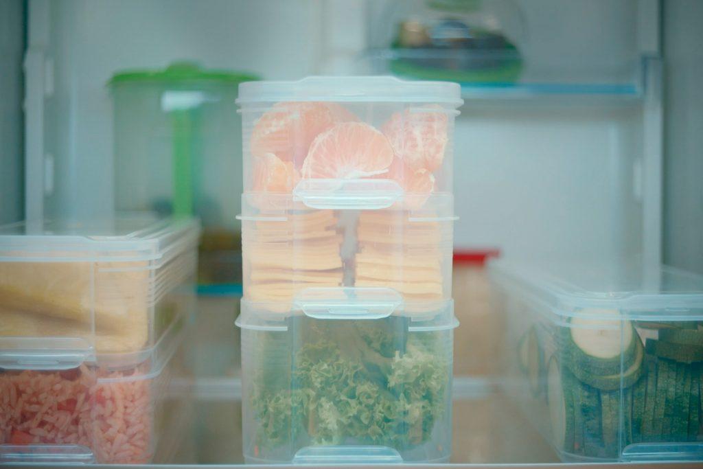 Blog Betterware - Cómo organizar tu refri y aprovechar todo el espacio. // Organizador para refrigerador.